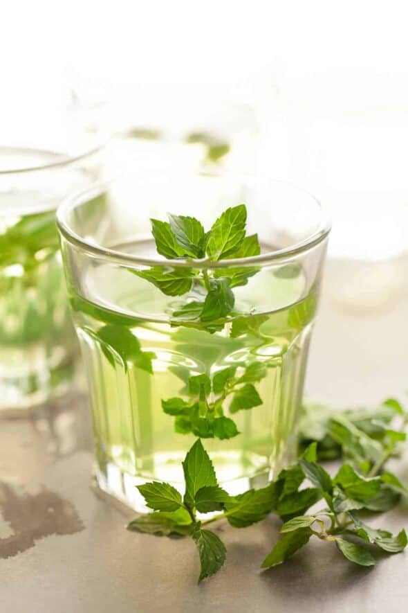 Make homemade mint tea with fresh peppermint leaves. fresh mint tea, how to make fresh mint tea, how to make mint tea