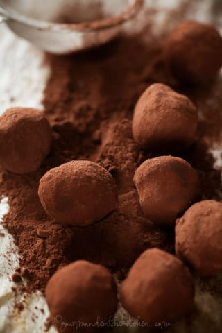 Chocolate Blueberry Truffles