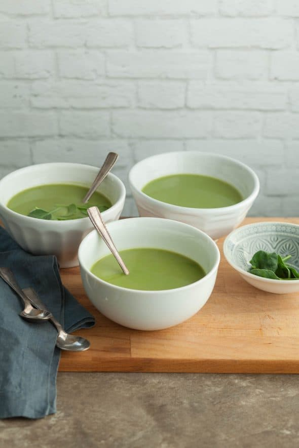 Broccoli Spinach Soup (Paleo) - This healthy and nourishing homemade broccoli spinach soup is packed with green vegetables. #broccoli #spinach #soup #bielersbroth