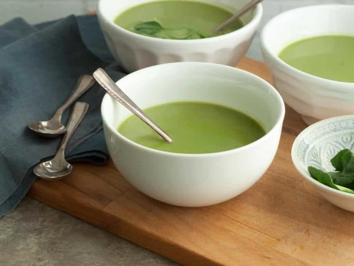 Broccoli Spinach Soup Recipe - This healthy and nourishing homemade broccoli spinach soup is packed with green vegetables. #broccoli #spinach #soup