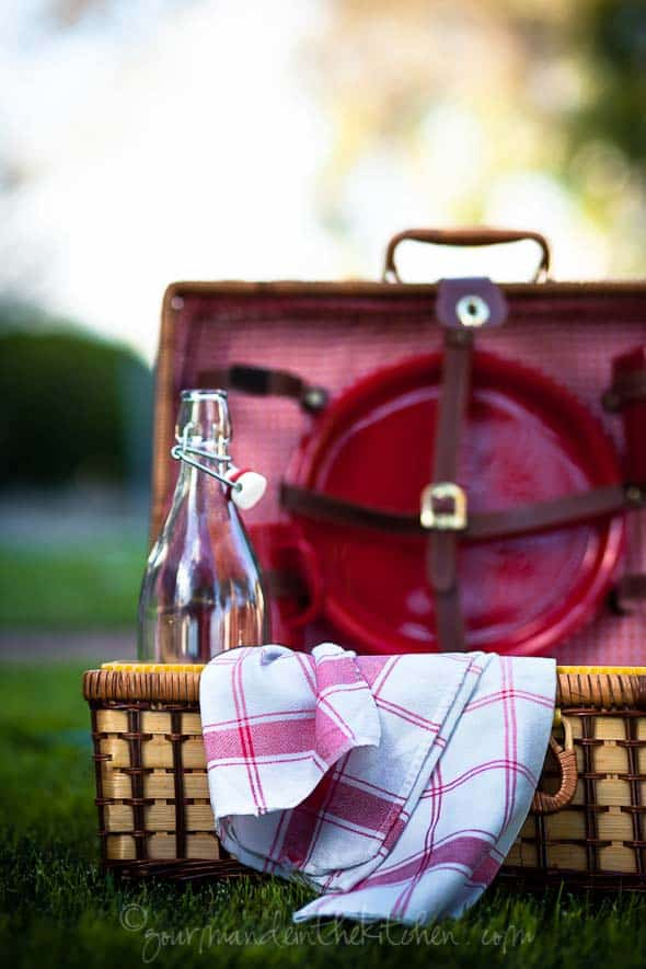 Picnic Basket on Grass, Gourmande in the Kitchen, Picnic for the Planet