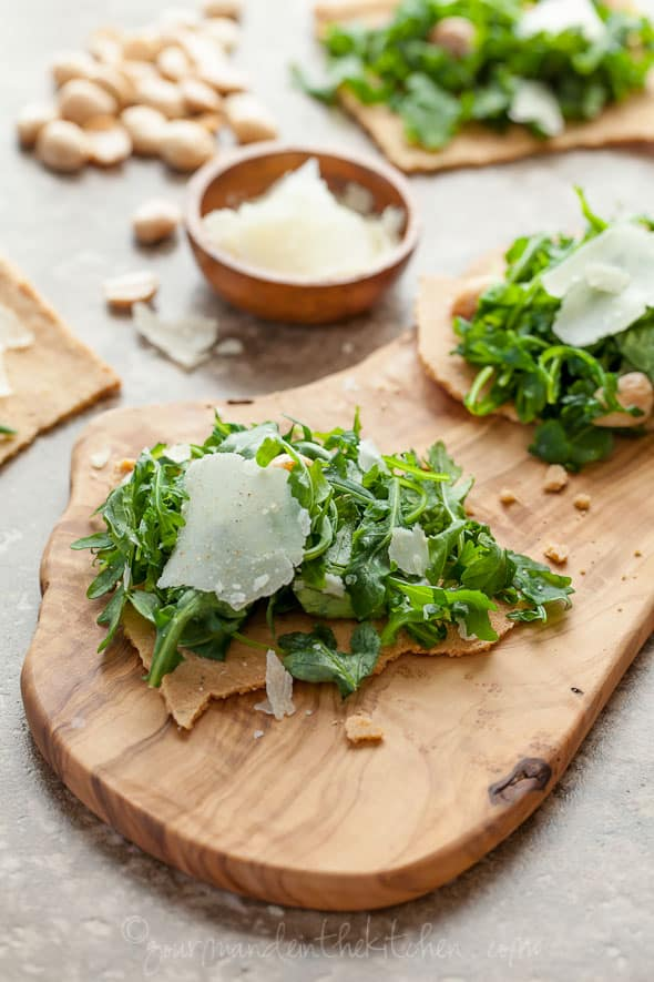 Rosemary Flatbread with Arugula and Parmesan