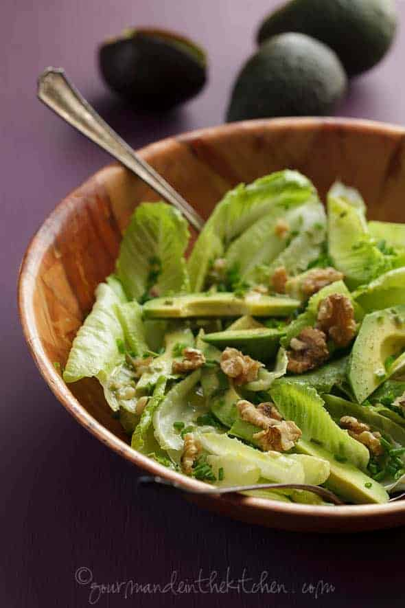 Avocado and Romaine Salad with Walnuts 5 Avocado and Romaine Salad with Walnuts
