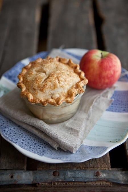 apple pie in jar, desserts in jars, shaina olmanson