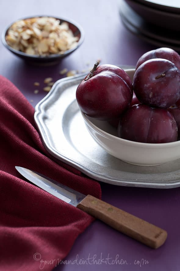 red plums, food photography, sylvie shirazi, los angeles food photographer