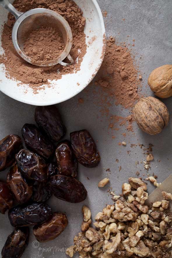 Cacao Powder, Dates, Walnuts
