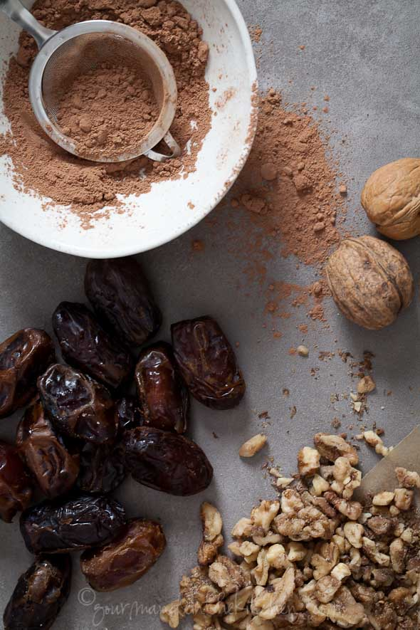 Cacao Powder, Dates, Walnuts