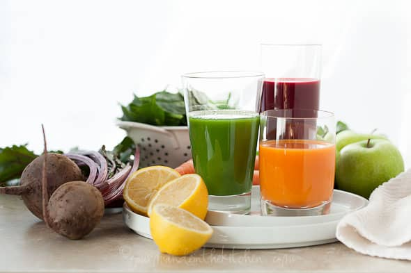 juicing recipes, juice recipes, carrot juice, beet juice, sweet potato juice, kohlrabi juice, green juice, spinach juice, pea shoot juice, food photography