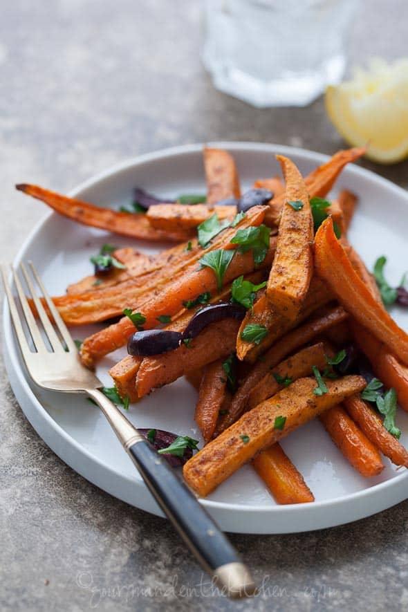 carrots, sweet potatoes, roasted carrots, roasted sweet potatoes, roasted vegetables, food photography