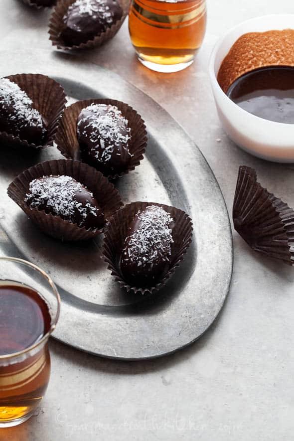 raw chocolate dates, paleo coconut dates, vegan chocolate covered dates, chocolate covered dates, coconut dates