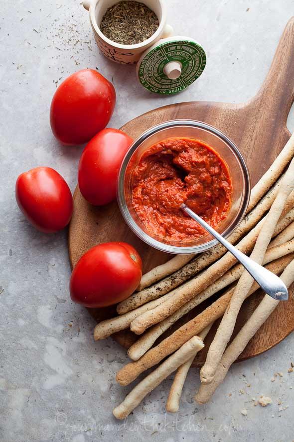 bread stick, grissini, bread, paleo bread, paleo bread stick, vegan bread stick, slow roasted tomato sauce, tomato sauce, marinara sauce