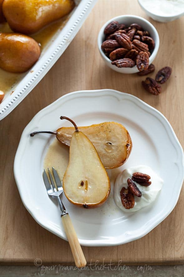 roasted pears with cream and pecans