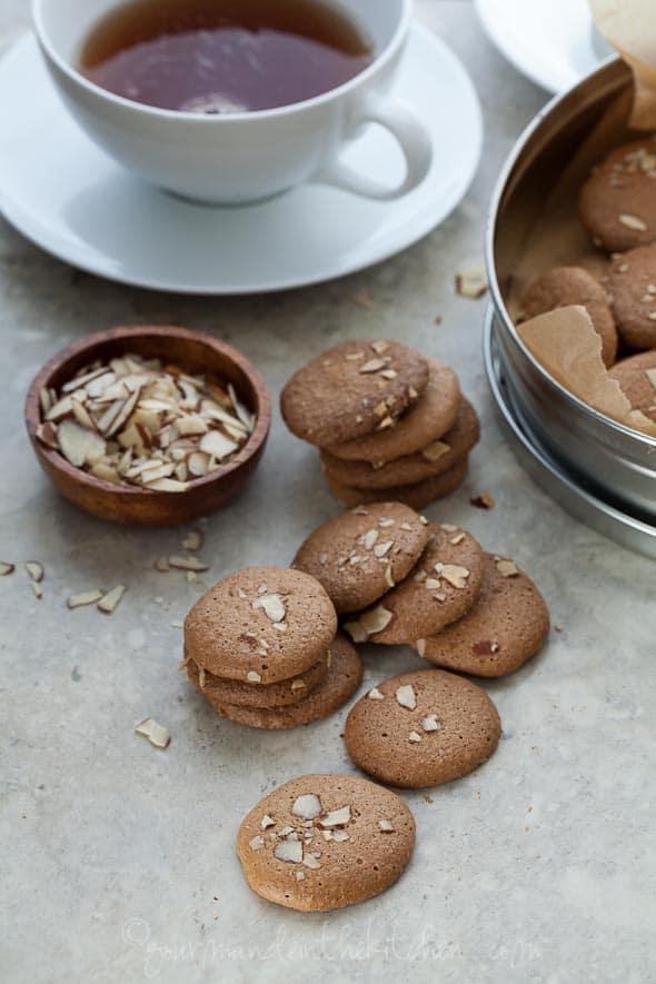 crunchy almond cookies, grain-free almond cookie