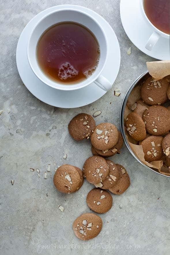 Amaretti cookies, paleo cookies
