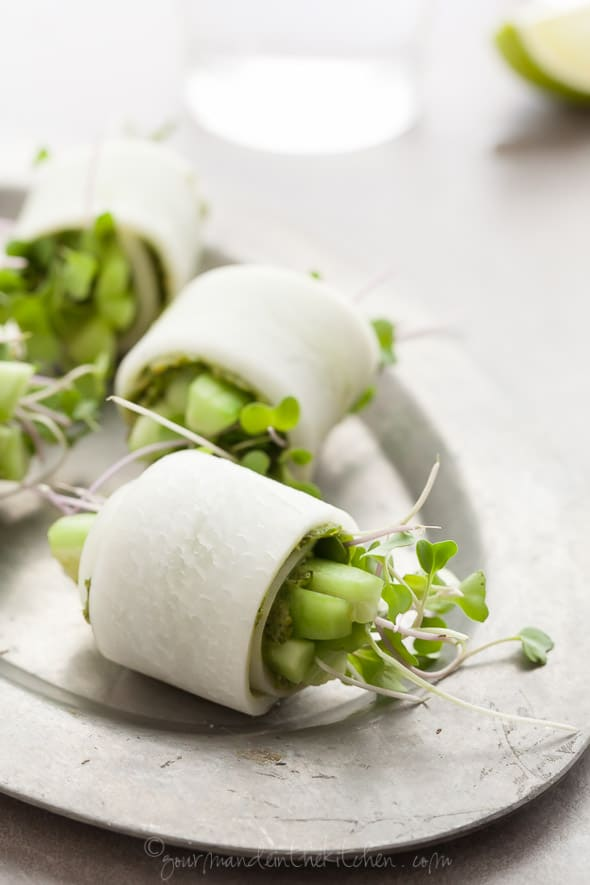daikon rolls filled with pesto, cucumber, sprouts and avocado