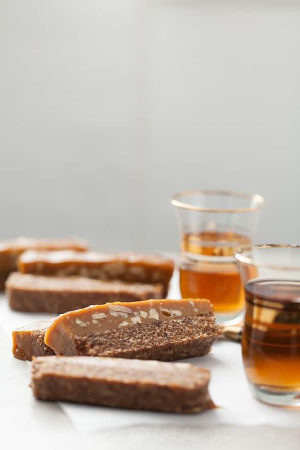 coconut caramel, caramel pecan bars, coconut bars, paleo pecan bars, pecan pie bars, raw pecan pie bars