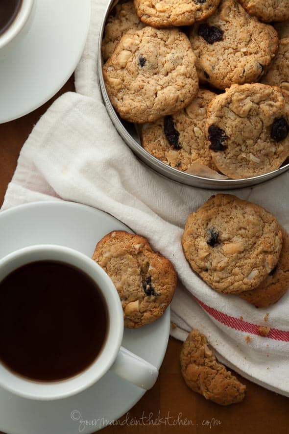 Cherry Cashew Cookies | Gourmande in the Kitchen