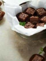 Easy 5 Minute Vegan Chocolate Peppermint Fudge