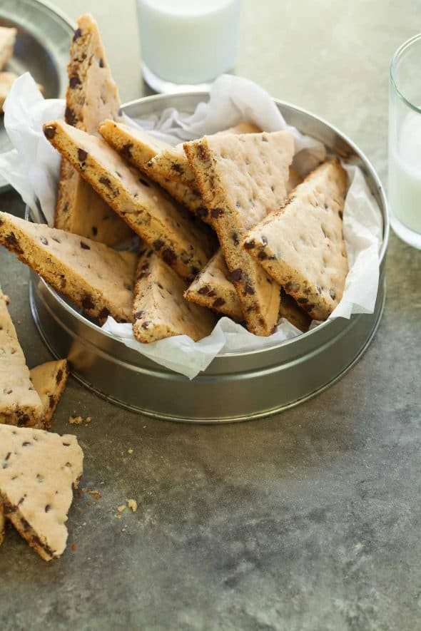 This paleo and vegan chocolate chip cookie brittle is a crisp and crunchy take on an old favorite.