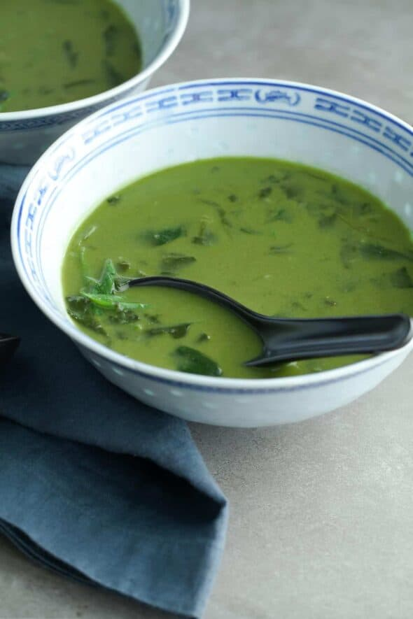 Thai Green Curry Spinach Soup (Paleo, Vegan)