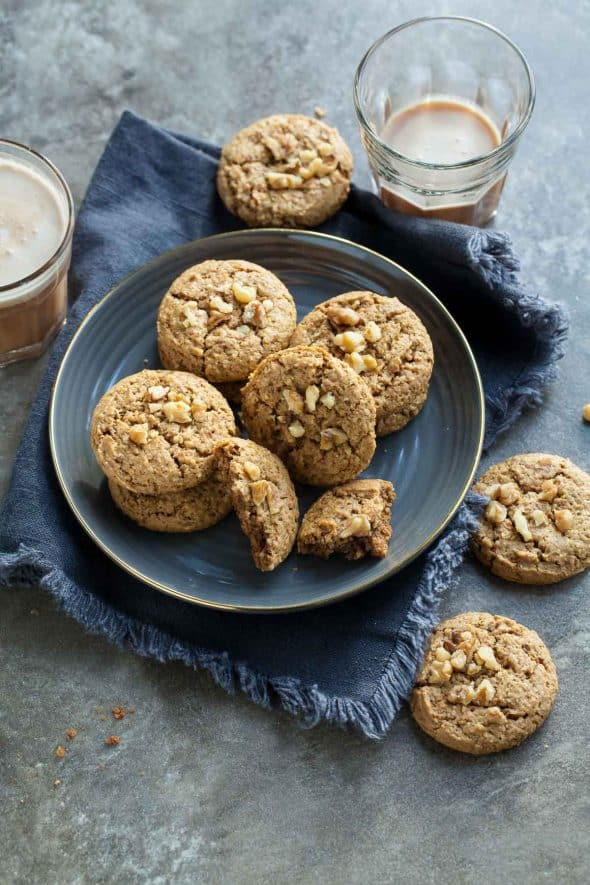 Flourless Walnut Cardamom Cookie Recipe