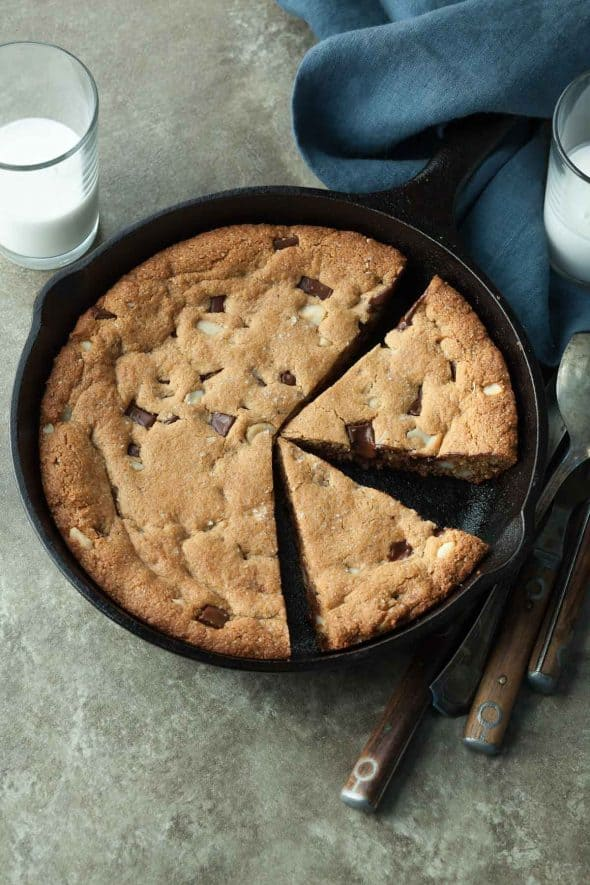 Chocolate Chip Macadamia Nut Skillet Cookie (Paleo, Vegan)
