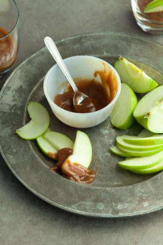Caramel Apple Cider Dip (Paleo, Vegan)