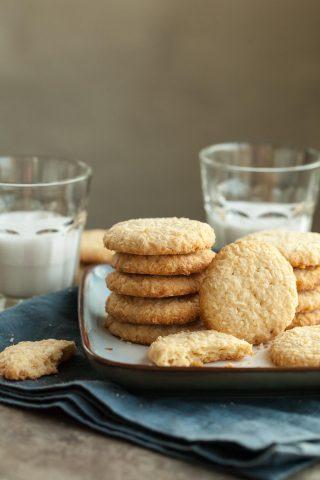 Crispy Coconut Cookies (Paleo, Vegan)