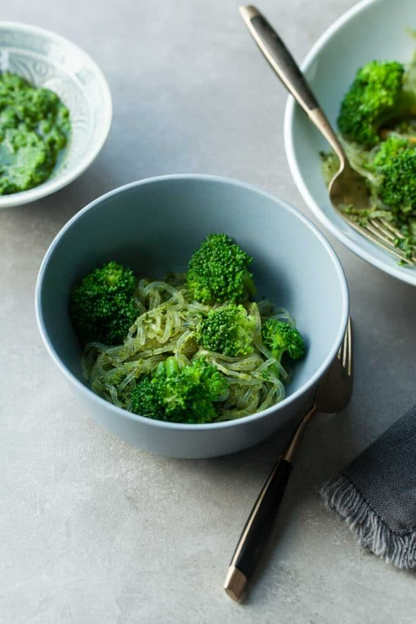 Broccoli and Kale Pesto Kelp Noodles (Vegan) - Broccoli and kale are at the base of these gloriously green pesto kelp noodles. #kelpnoodles #pesto #broccoli #kale