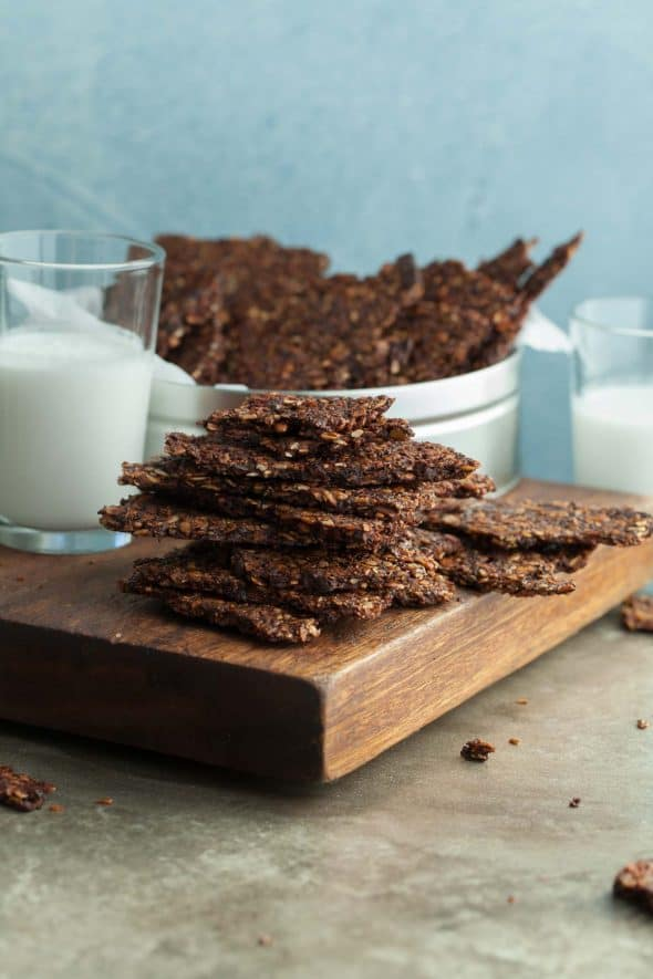 Chocolate Grain-Free Granola Bark - Bake up a sheet pan of crisp, crunchy and nutrient dense chocolate granola bark. #granola #bark #chocolate #breakfast