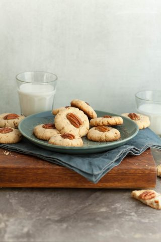 Gluten-Free Maple Pecan Sandies (Paleo, Vegan)