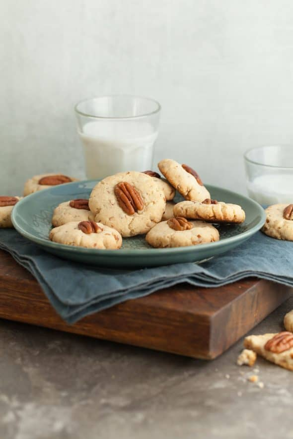 Maple Pecan Sandies on Plate with Napkin