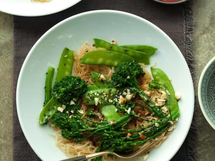 Sesame Kelp Noodles with Snow Peas and Broccolini