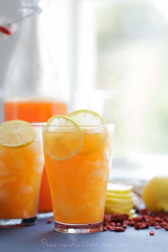 Lemon Goji Switchel in Glasses with Lemon Slices
