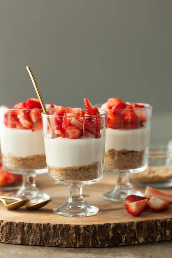 No-Bake Vegan Strawberry Cheesecake Parfait Recipe