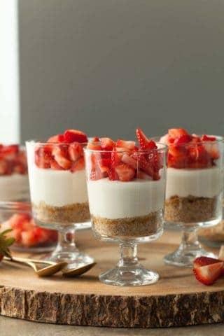 No-Bake Vegan Strawberry Cheesecake Parfaits (Paleo)
