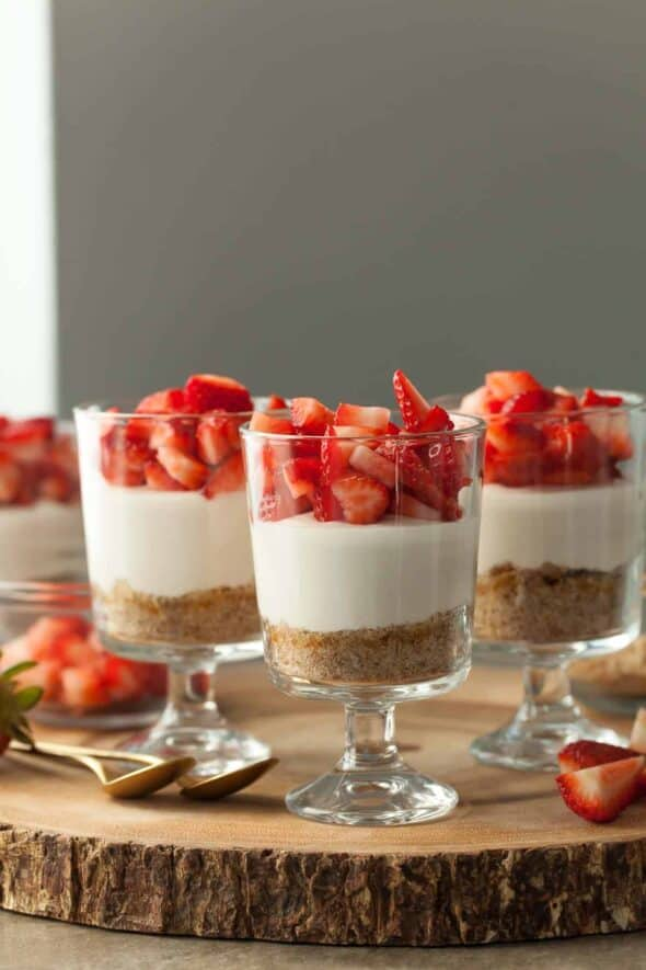 No-Bake Vegan Strawberry Cheesecake Parfaits